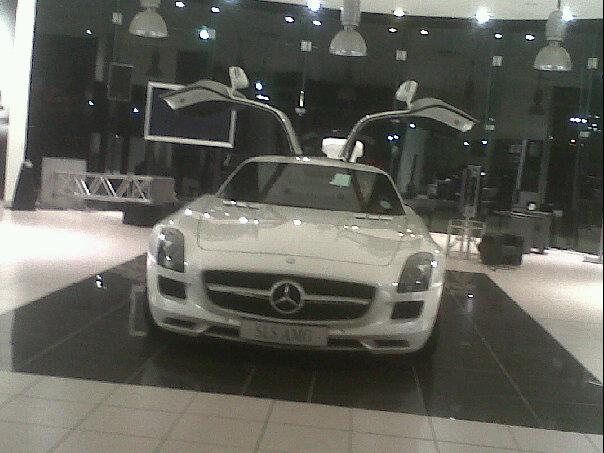 Mercedes benz sls amg launch lekker mr cape town for Mercedes benz suicide doors