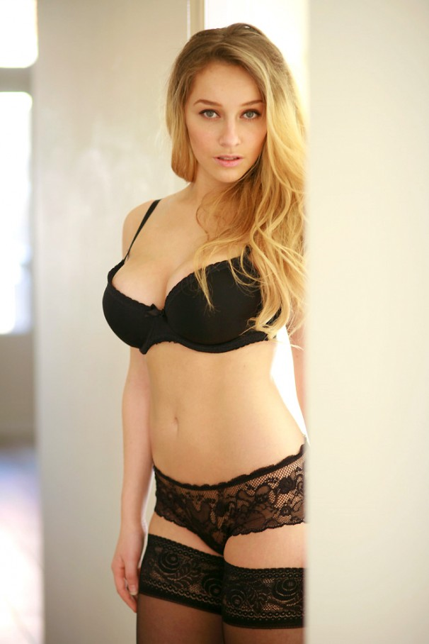 Interview: Dutch Playboy Cover Girl - Zimra Geurts - Mr